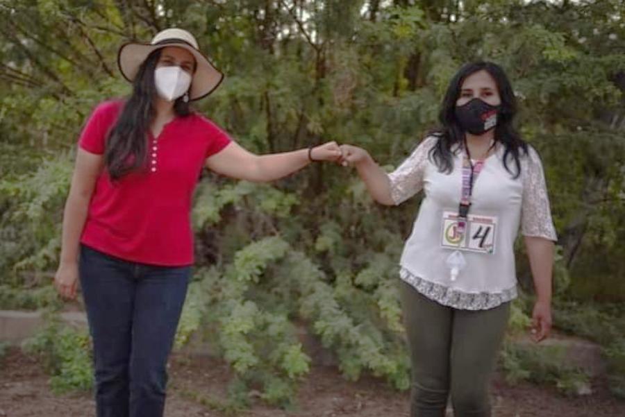 Clara Salinas con Verónika Mendoza