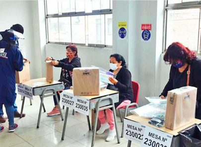 Miembros de mesa tienen día libre y electores facilidades para viajar