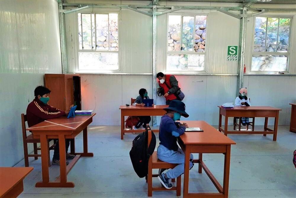 Casos covid-19 en clases semipresenciales en Arequipa.
