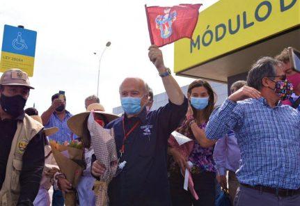 Hernando De Soto cierra campaña en Arequipa con caravana desde aeropuerto (VIDEO)