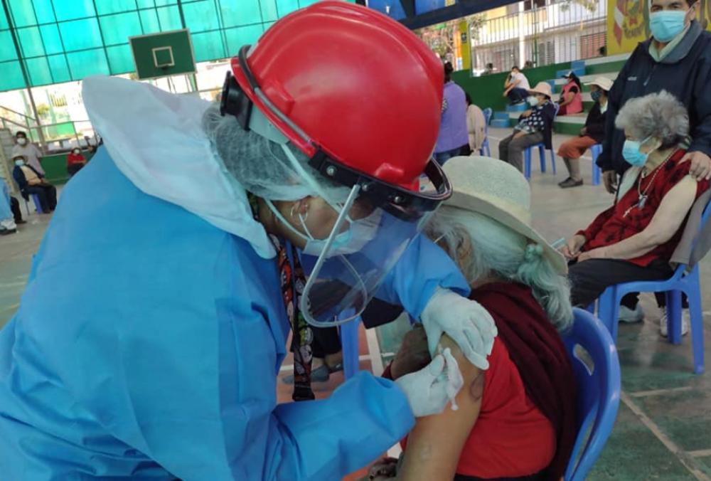 Arequipa: se vacunó solo al 1% de la población adulta mayor hasta el momento
