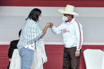 Pedro Castillo amplia ventaja sobre Keiko Fujimori y voto indeciso reduce según IEP