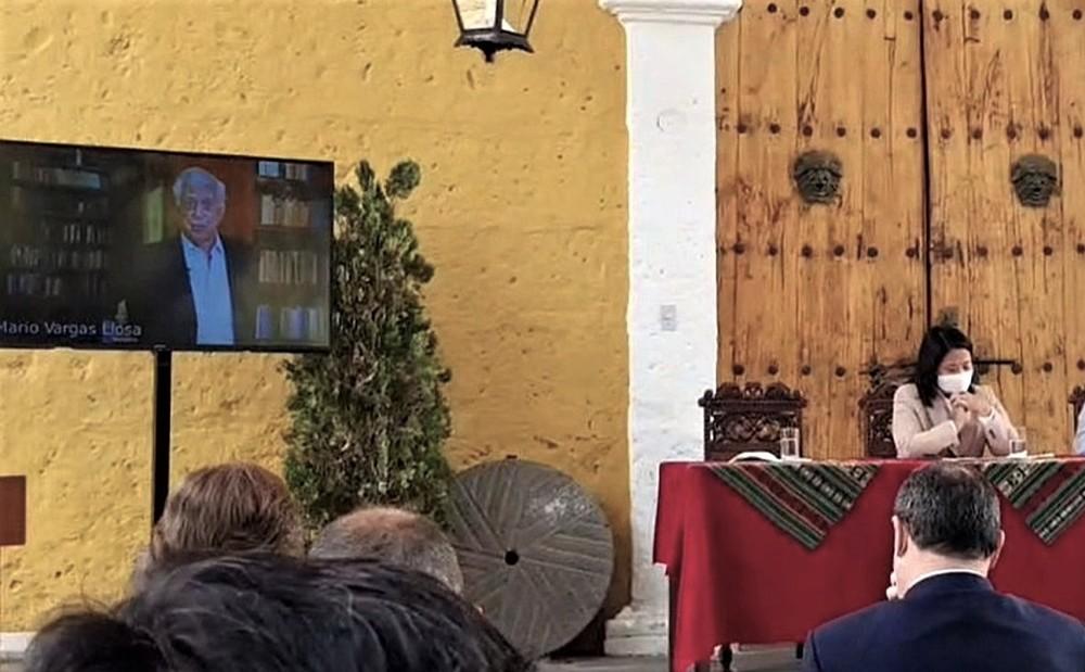 Mario Vargas Llosa: Keiko Fujimori representa libertad y Pedro Castillo la dictadura.