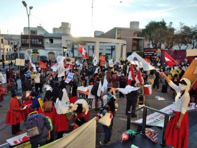 """Arequipa: Ciudadanos participaron de marcha """"Keiko no va"""" (Videos)"""