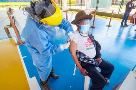 Conoce obligaciones de enfermeras en vacunación, tras denuncias de jeringas vacías