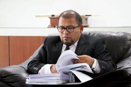 Arequipa: se retrasa juicio contra alcalde Omar Candia, por carga procesal