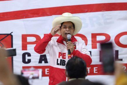 Pedro Castillo presentó a integrantes de su equipo técnico