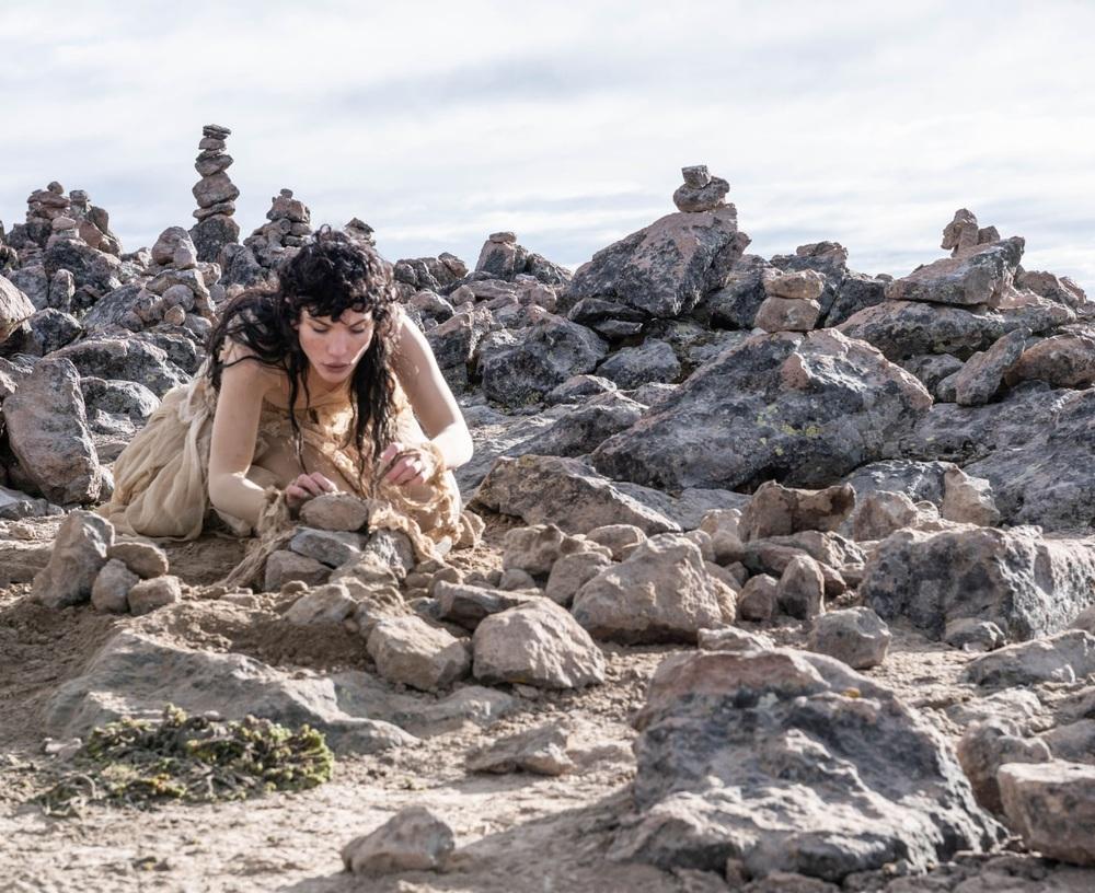 Productora británica grabó un videoclip en el Mirador de los Volcanes (Arequipa) para una artista de raíces arequipeñas..