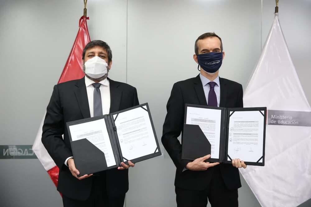 Perú y Francia firman acuerdo para la enseñanza de francés en escuelas públicas