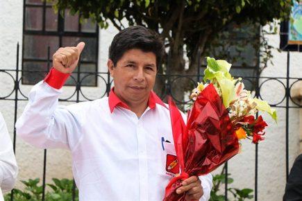 Pedro Castillo presentó su equipo técnico y pidió a todos rescatar al país