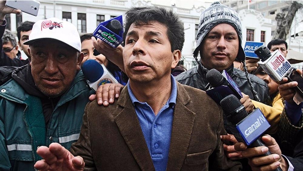 Pedro Castillo, nuevo presidente del Perú: ¿Quién es el mandatario del Bicentenario?, quien venció a Keiko Fujimori en segunda vuelta.