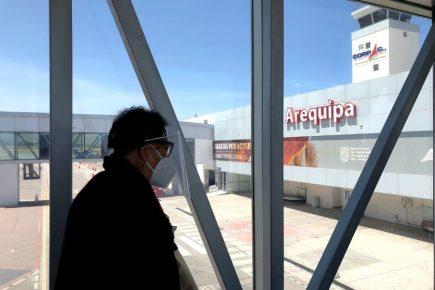 Suspenden transporte aéreo y terrestre desde y hacia Arequipa por 15 días