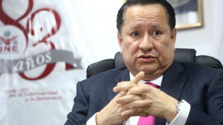 Impedirían salida del país a ex magistrado JNE, Luis Arce  por enriquecimiento ilícito