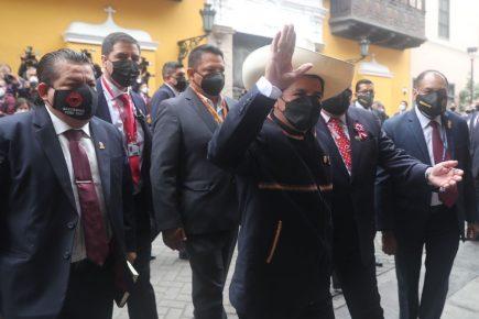 Presidente Pedro Castillo pospone la juramentación de sus ministros