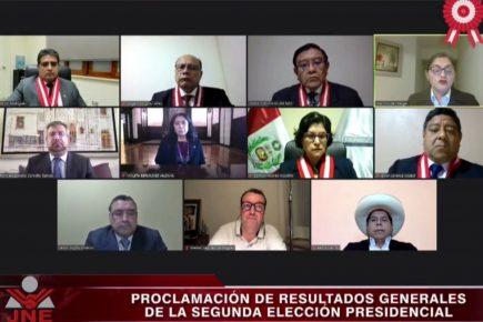 Proclaman a Pedro Castillo como nuevo Presidente del Perú