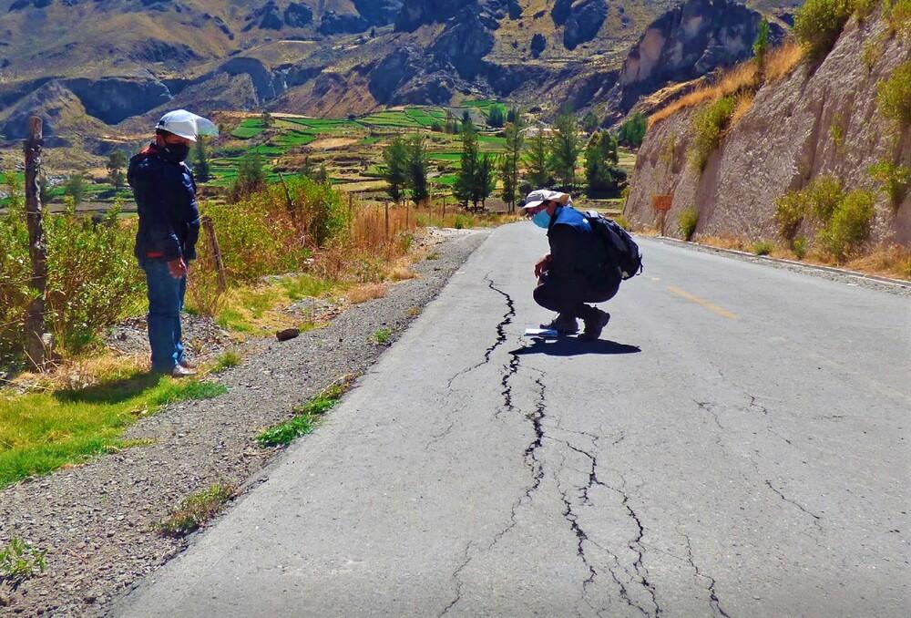 Arequipa: Canacota en riesgo de quedar incomunicado por deslizamientos