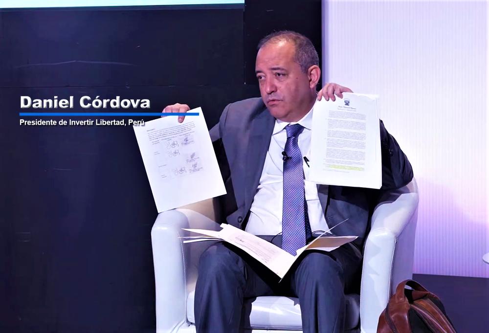 Las tres falsedades de Daniel Córdova sobre fraude electoral, durante foro de Mario Vargas Llosa.