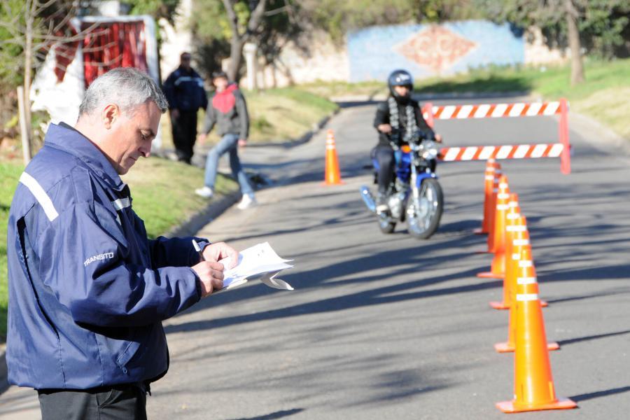 arequipa suspenden trásmites de licencia de motocicletas