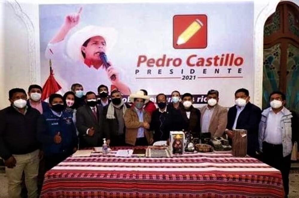 Pedro Castillo a alcaldes de Arequipa: incrementar presupuesto y agilizar descentralización.