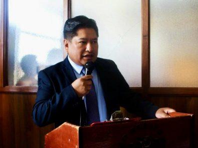 Alcalde de Paucarpata irá a juicio por delito de ostentación de distintivos