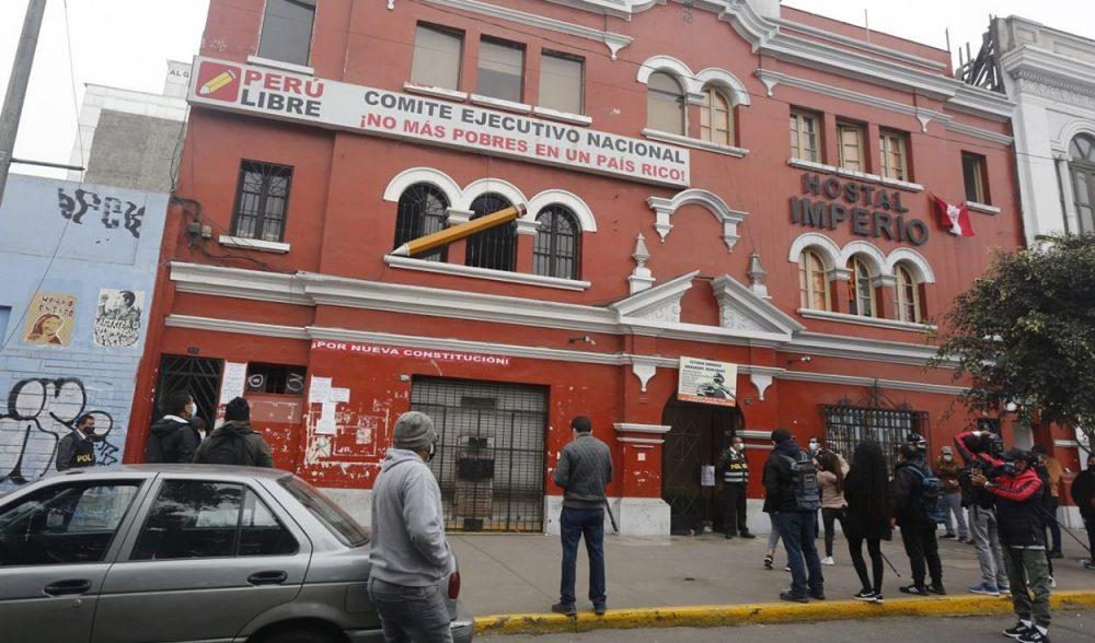 Fiscalía allana locales de Perú Libre en Lima y Junín y también casa de Cerrón