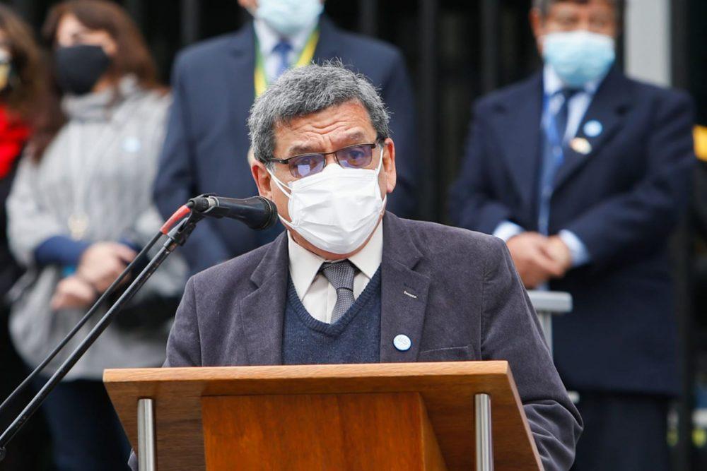 Ministro de Salud anuncia 12 millones 968,000 vacunas para setiembre