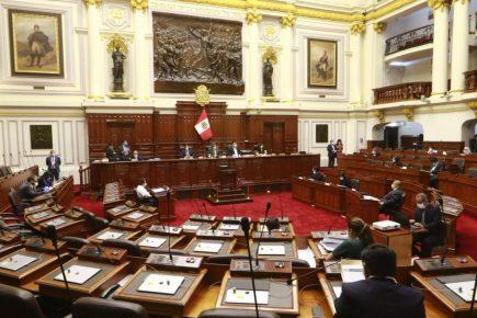 Gobierno y oposición se disputan comisiones de Constitución y Presupuesto