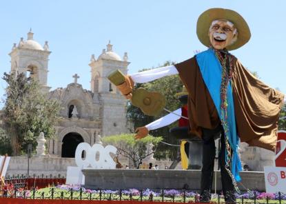 Estampas tradicionales arequipeñas se exhiben en Plaza de Cayma (GALERÍA)