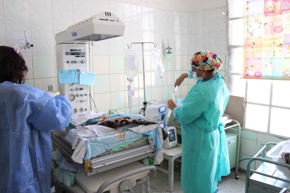 Arequipa: médicos operarán a bebés siameses nacidos en hospital Goyeneche