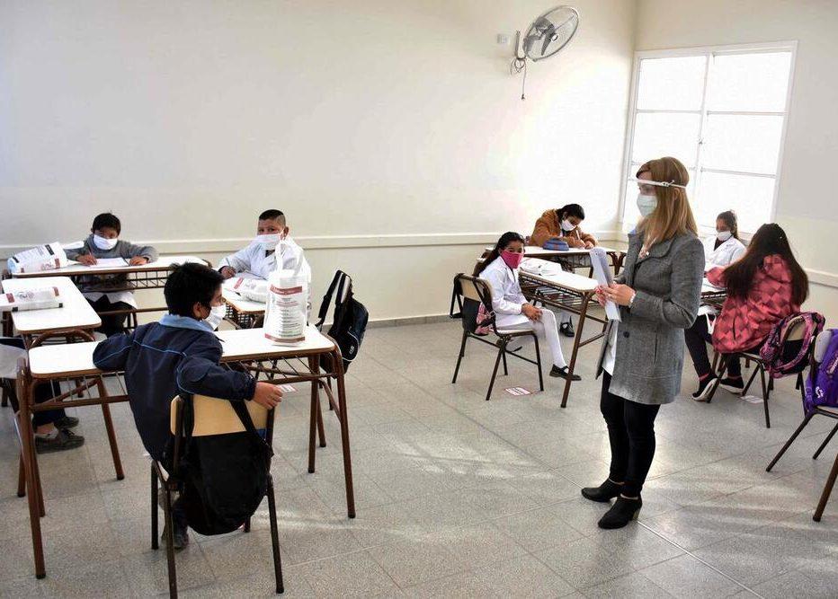 Arequipa: Educación plantea la vacunación de estudiantes para el retorno a clases