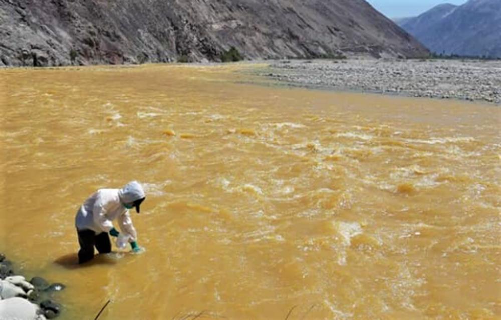 Arequipa: amplían 60 días emergencia en Islay, por contaminación del río Tambo.