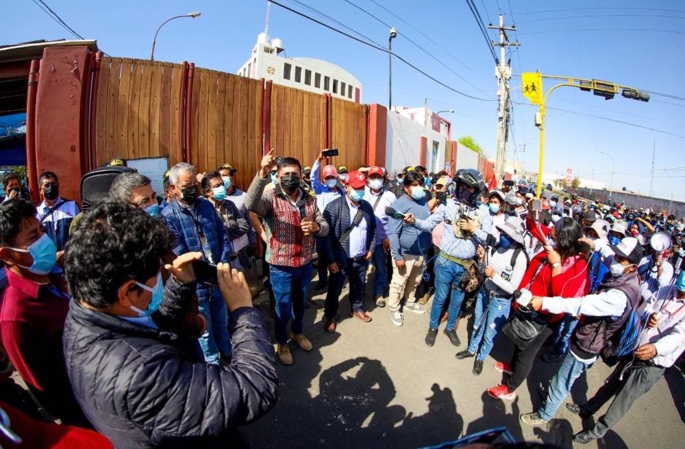 Gobierno Regional de Arequipa retomará obras paralizadas en pandemia
