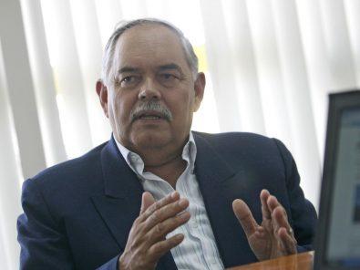 Es falsa la versión de Jorge Montoya sobre vacunas Covid-19 agotadas en Perú