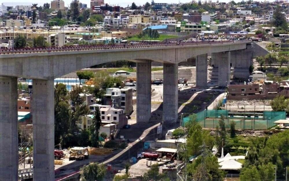 Arequipa: mujer se lanzó desde el puente Chilina, perdiendo la vida