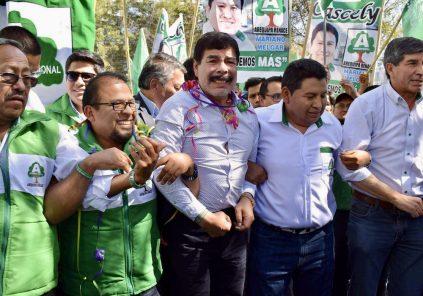 Alfredo Zegarra y dirigentes renuncian a Arequipa Renace con miras a elecciones