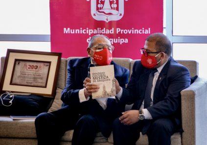 Eusebio Quiroz Paz Soldán, condecorado como Arequipeño del Bicentenario