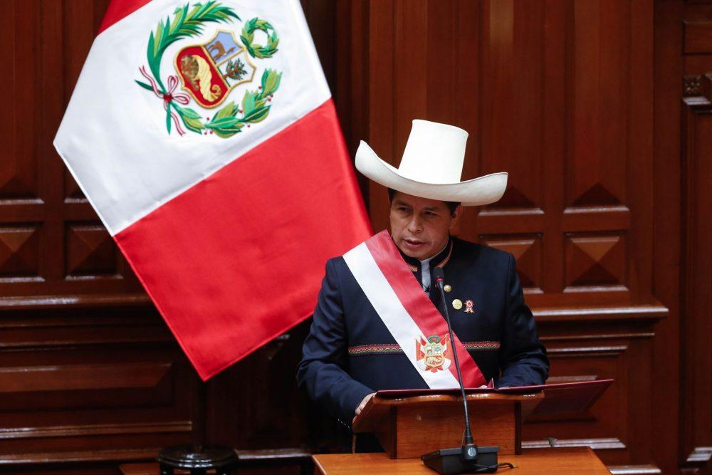 Apoyo a la familia con bono y gas barato anuncia presidente Castillo en primer mensaje