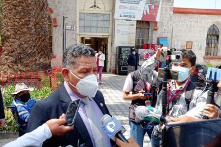 Congresista de Arequipa a favor de bajar a S/8 mil sueldo de legisladores y ministros