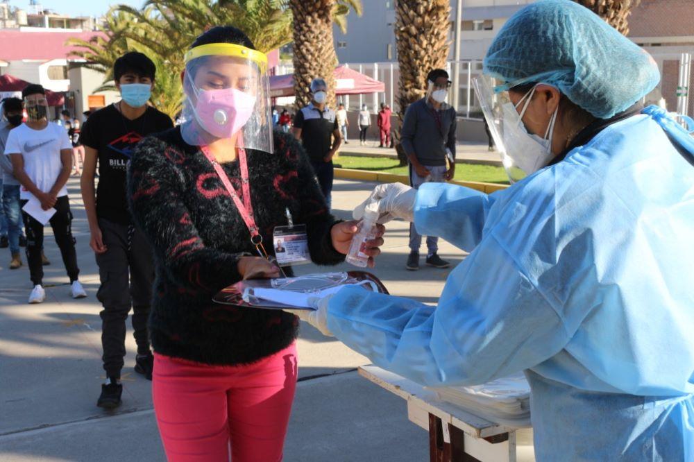 arequipa vacunaton universitarios