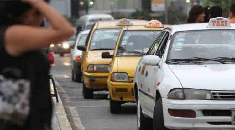 Falsos taxistas en Arequipa