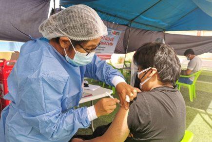 Arequipa: esperan autorización para vacunar a menores de 18 años