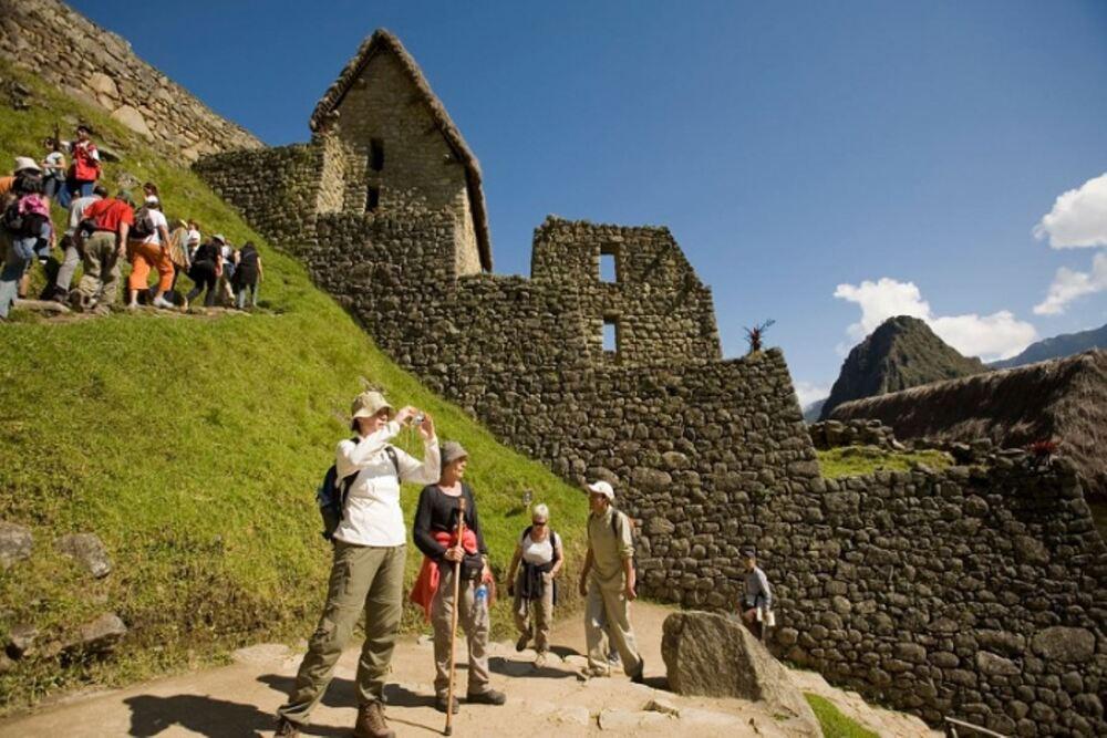 300 mil turistas se movilizaron durante el fin de semana largo