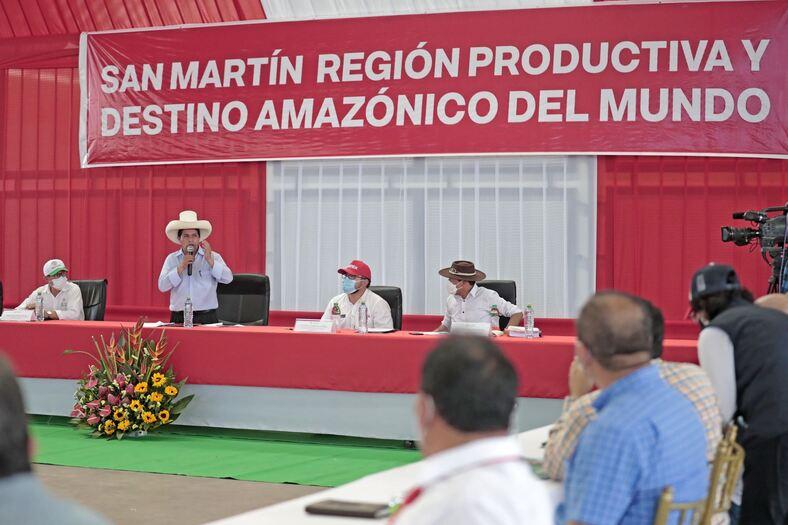 Pedro Castillo llama a congresistas a no encerrarse y tener un espacio para la población