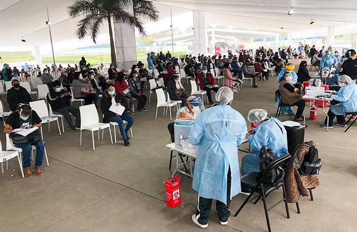 Perú ya vacunó al 50% de su población objetivo con ambas dosis