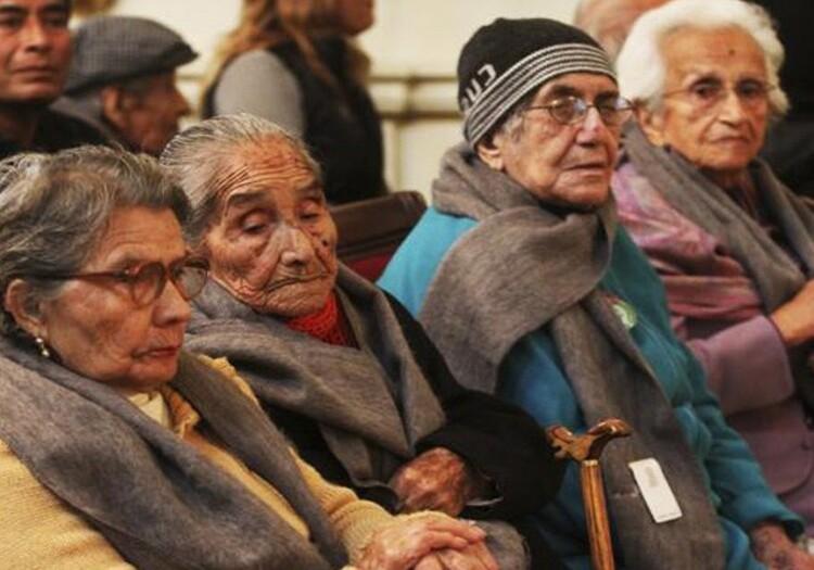 Adultos mayores en Arequipa