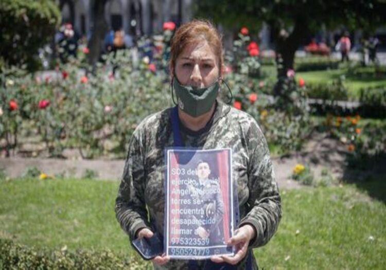Arequipa: madre de soldado desaparecido 14 días, denuncia que cuartel lo extorsionó