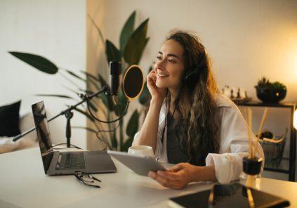 ¿Cómo hacer redituable un curso de podcast?