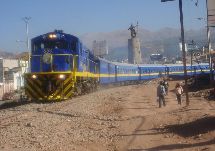 Arequipa: obrero pierde las piernas tras dormirse en las rieles del tren.