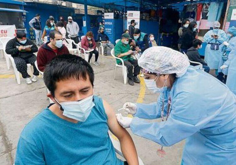 Arequipa: campaña de cierre de brechas de 1° y 2° dosis para mayores de 18 años